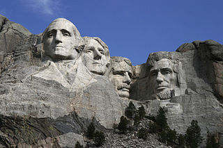 320px-Dean_Franklin_-_06.04.03_Mount_Rushmore_Monument_(by-sa)-3_new