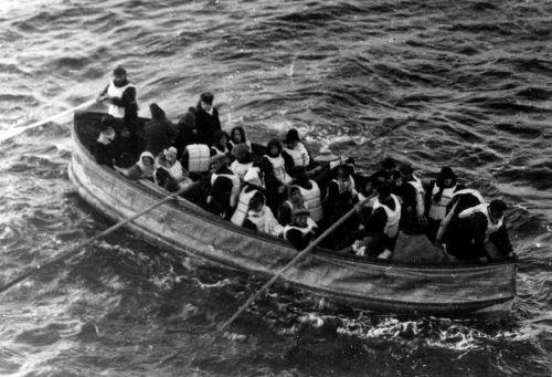 Reddingssloep D van de Titanic , de laatste reddingssloep die succesvol te water werd gelaten.