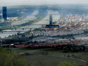 rivier die stroomt door de stad Wenen